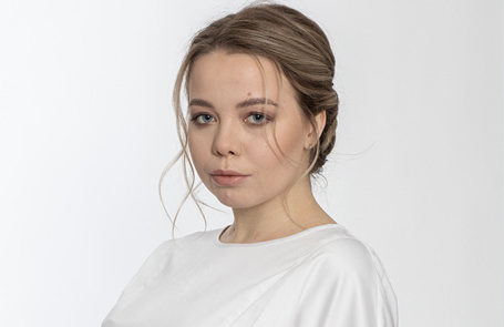 ВИХЛЯЕВА Юлия