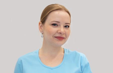 МАКСИМОВА Стелла